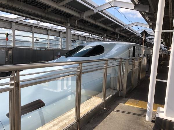鹿児島中央駅に停車中の新幹線その1