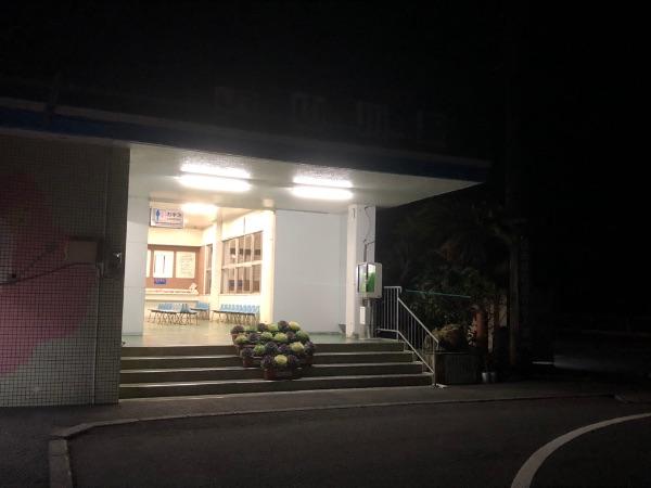夜の山川駅