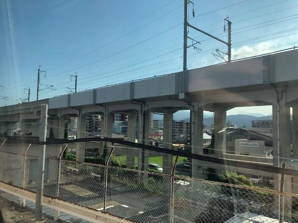 博多南線から見た九州新幹線高架
