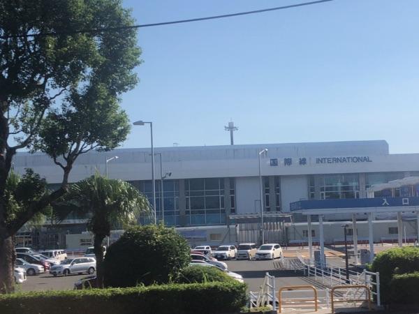 高速バスからみた鹿児島空港国際線ターミナル