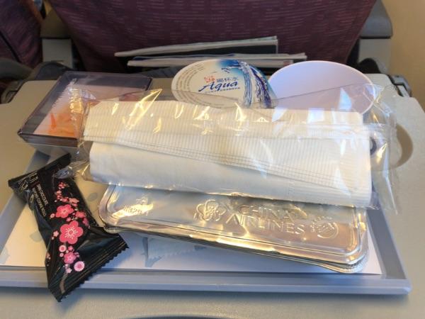 CI119便の機内食
