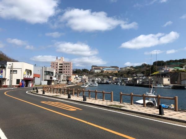 郷ノ浦港と壱岐市役所の間の風景
