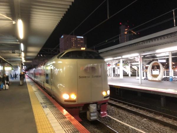 岡山駅に到着したサンライズ瀬戸