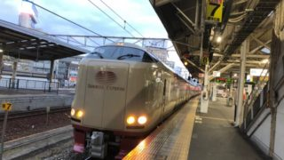 岡山駅発車前の下りのサンライズ出雲