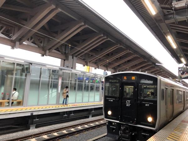 熊本駅に到着した817系電車