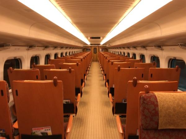 800系新幹線の普通車指定席