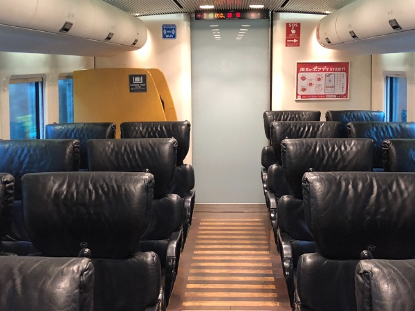 885系電車1号車の普通車指定席