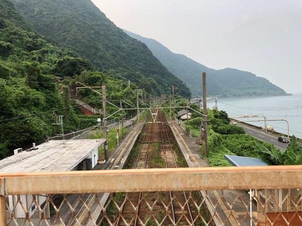 竜ヶ水駅の国分方面の山側