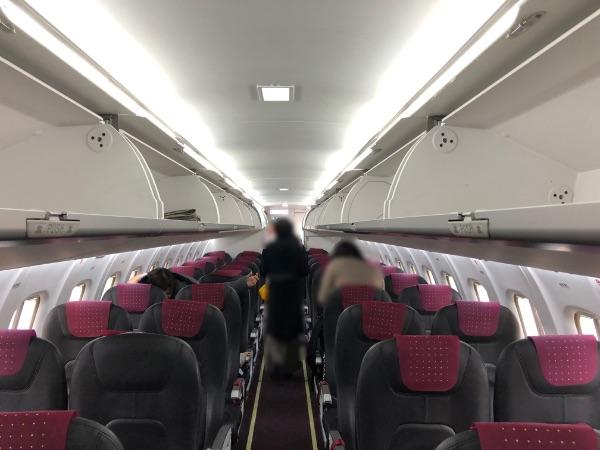 ATR42-600の機内