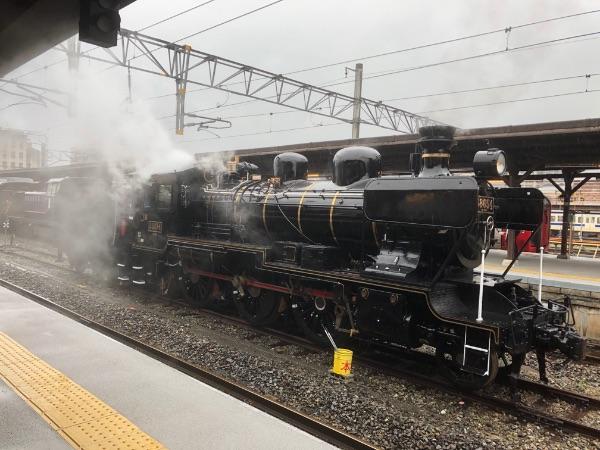 門司港駅に停車中の蒸気機関車