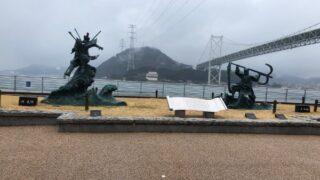 下関市にある源義経と平知盛の像