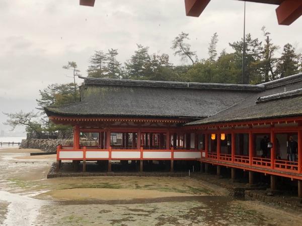 客神社祓殿と東廻廊