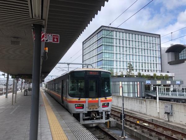 姫路駅に停車中のキハ127系1000番台