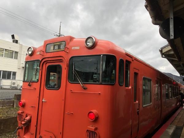 智頭駅に停車中のキハ47系気動車