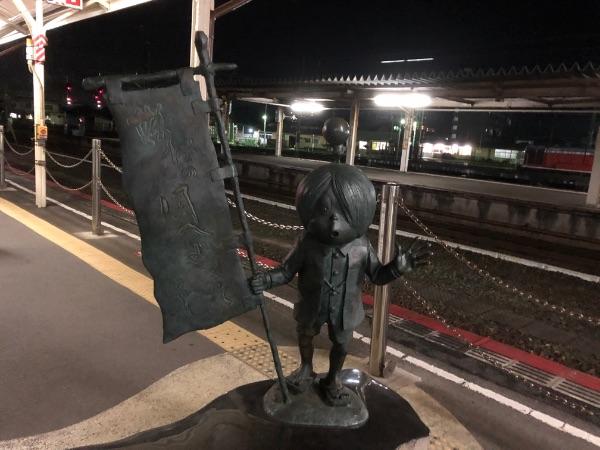 米子駅0番のりばの鬼太郎像