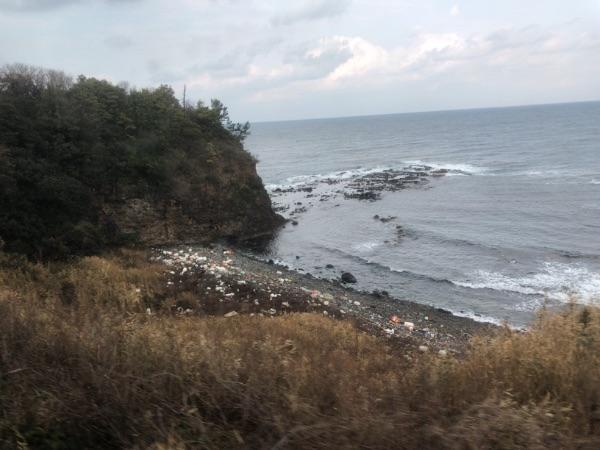 日本海沿岸に打ち上げられたゴミ