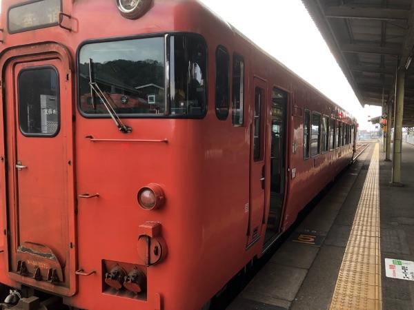 山口駅に停車中のキハ40系気動車