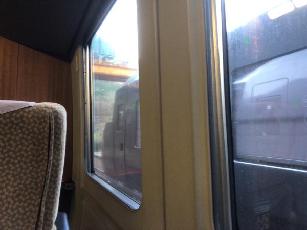 宗太郎駅にて延岡方面からやってきた列車との行き違い
