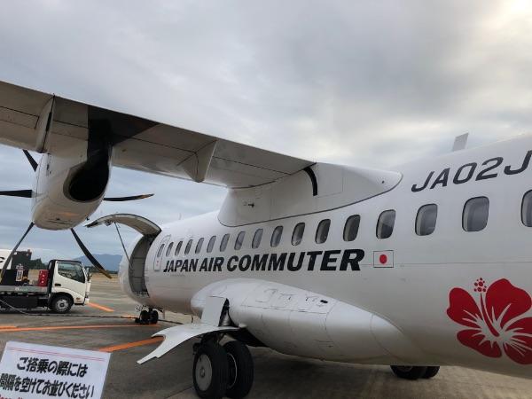 鹿児島空港に駐機中のJAL3721便