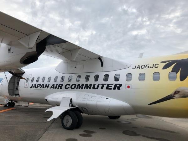 鹿児島空港に駐機中のJAC3801便